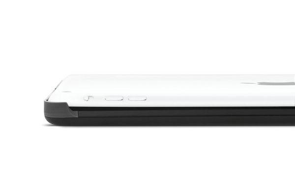 Kensington KeyCover Plus Case mit hintergrundbeleuchteter Bluetooth Tastatur (CH Layout) für iPad Air/Air 2, schwarz