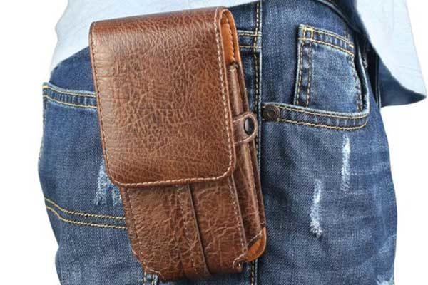 Bridge94 iPhone 6/6S/7 Gürtel-Holster-Tasche vertikal mit 2 Kreditkartenfächern, braun strukturiert