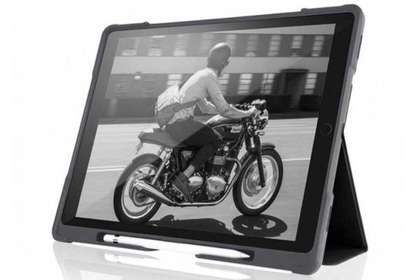 """STM Dux Plus - Schock resistentes Case für iPad Pro 10.5"""" mit verstärktem Eckschutz, schwarz-transparent"""