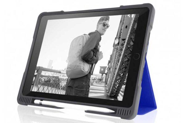 """STM Dux Plus - Schock resistentes Case für iPad Pro 10.5"""" mit verstärktem Eckschutz, dunkelblau-transparent"""