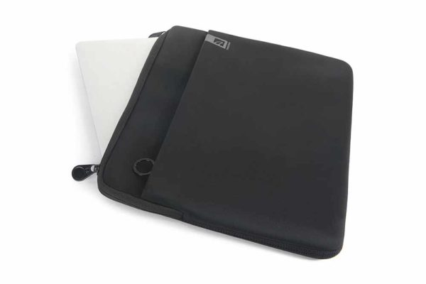 Tucano-Second-Skin-Top-MacBook-Air-Pro-13-Retina-Pro-Fronttasche - Schwarz-3