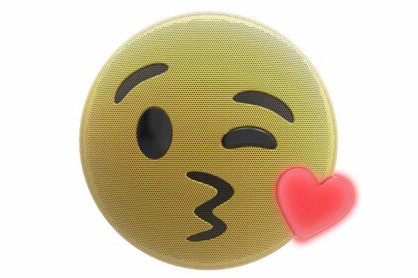 HMDX-JAM-Jamoji-V2-Kiss-Bluetooth-Lautsprecher-lustiger-Emoticon-Form-Lichteffekten-Gelb-2