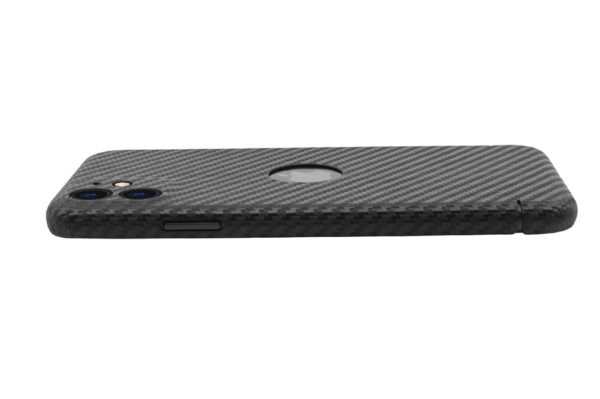 iphone-11-nevox-carbon-case-logo-4